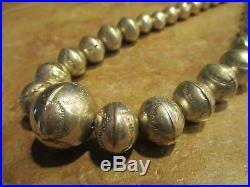 21 SPLENDID Vintage NAVAJO Graduated Sterling Silver PEARLS Bench Bead Necklace