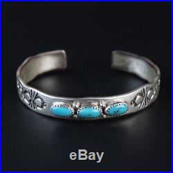 Heavy sterling silver. 925 vintage Navajo turquoise bracelet Native American