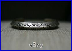 Vintage Native American Navajo Carinated Sterling Silver Cuff Bracelet 48 gr