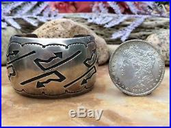 Wide Vintage Native American Navajo Or Hopi Arrow Sterling Silver Cuff Bracelet